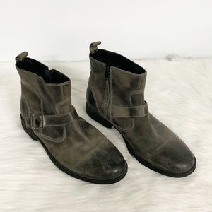 Clarks | Gray Leather Chelsea Zip-up Boot 9.5